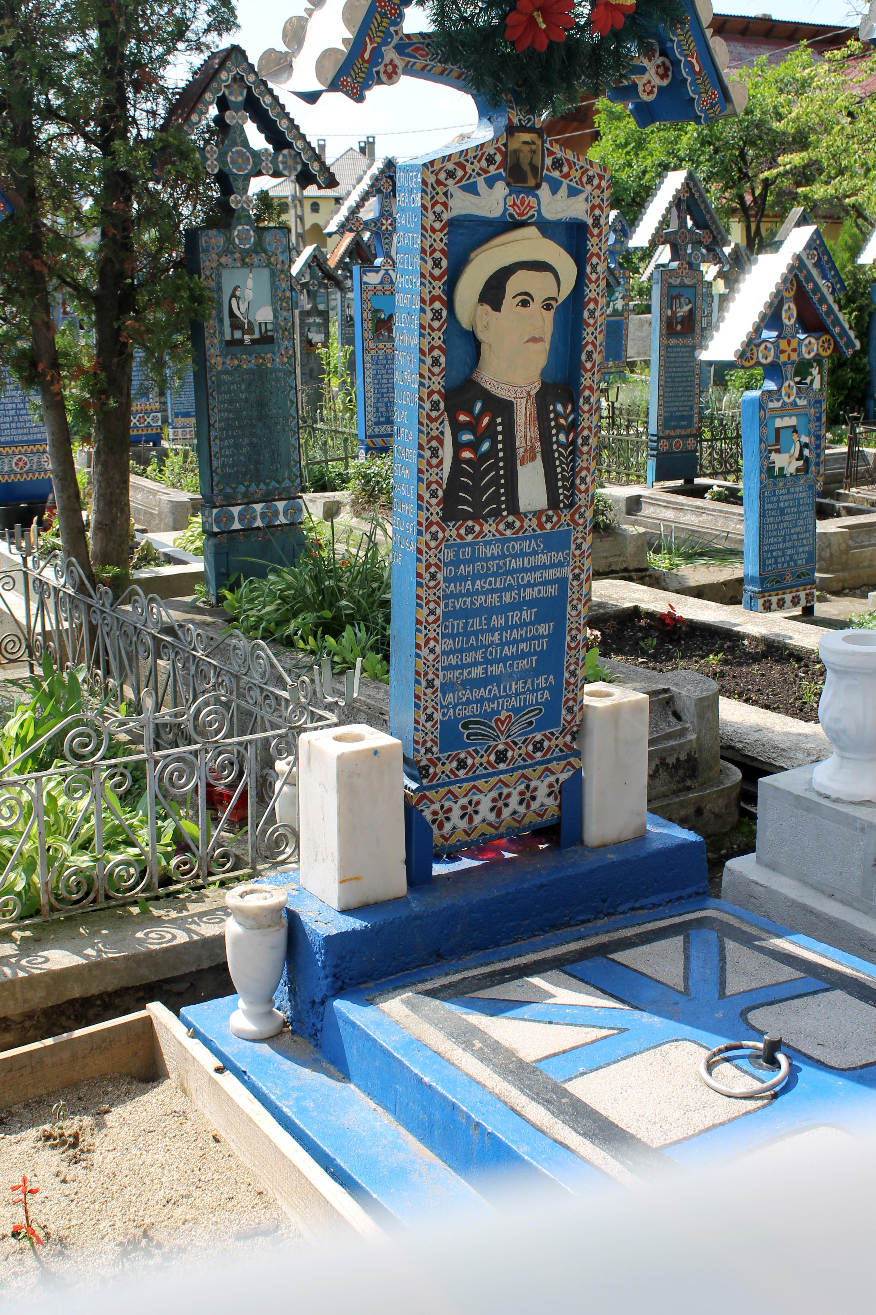 ספנצה בית קברות עליז